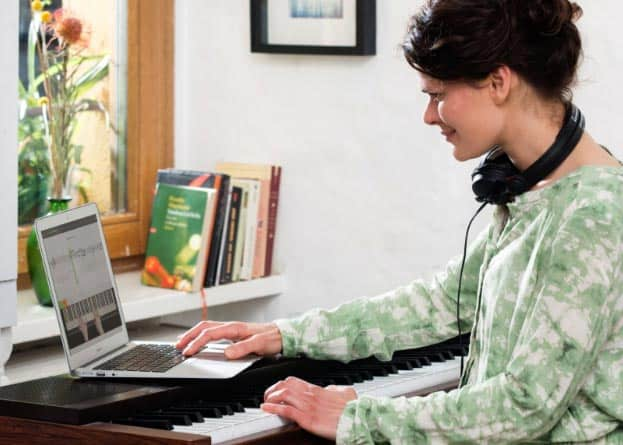 Klavier lernen mit Skoove