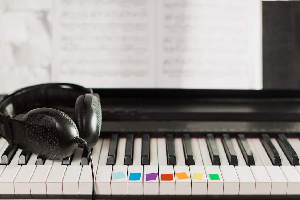 label piano or keyboard, klaviertastatur beschriftet, klaviatur beschriftet, keyboard tasten beschriftung, markierung tasten