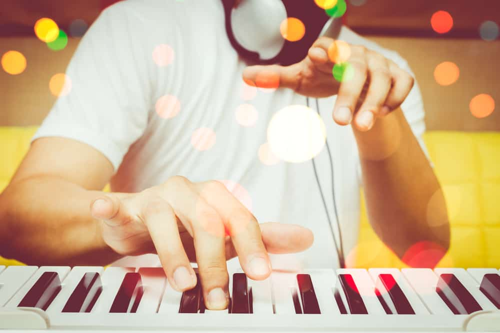 klavier akkorde lernen, klavierakkorde übersicht, akkorde spielen lernen klavier, akkorde keyboard lernen, learn piano chords